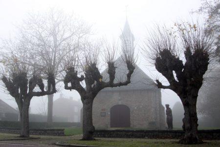 Waterlandkerkje; West Zeeuws Vlaanderen; dorpsgezicht, religie,geloof, beeldende kunst; wonen en leven; bomenrij, rust en ruimte